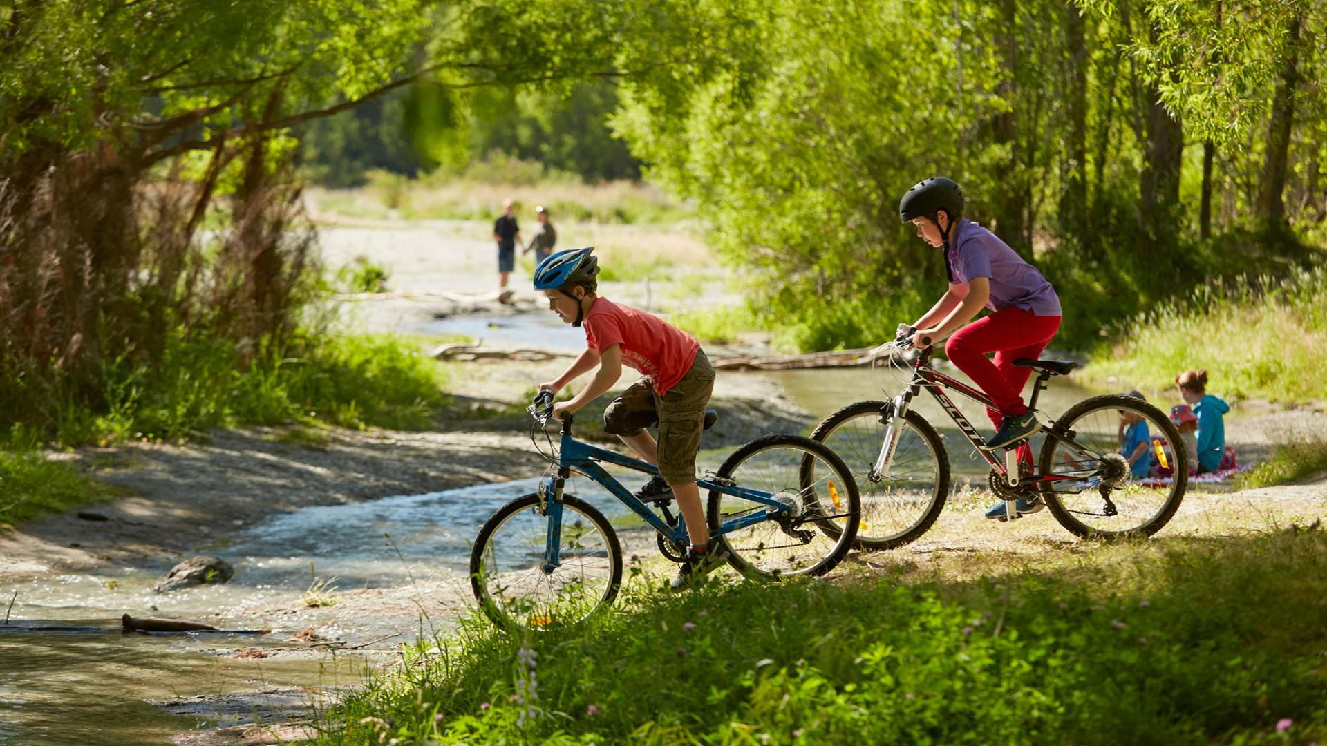 1Biking-Arrowtown-Activities-family-river